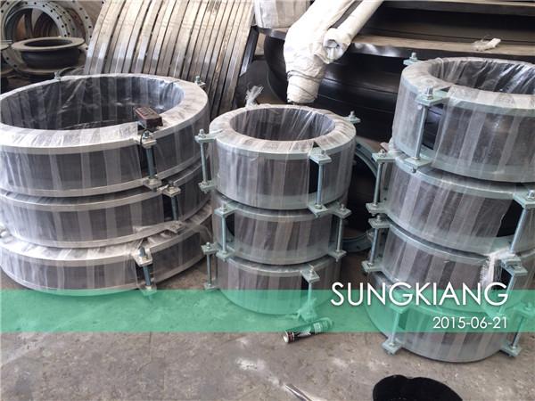 电厂脱硫橡胶挠性接头生产发货现场